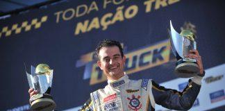 Roberval Andrade comemora título da Copa Truck. (Foto: Divulgação)