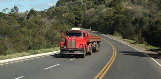 O 111, um dos famosos jacarés da Scania