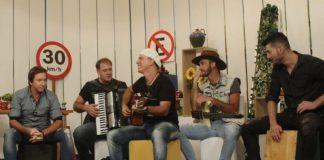 Grupo Maate Quente participou do Brasil Caminhoneiro com Sérgio Reis.