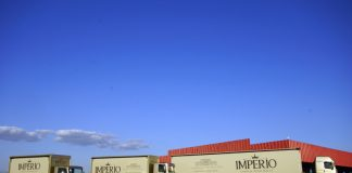 Cervejaria Império renova frota com caminhões Volkswagen. (Foto: Divulgação)